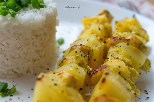 Szaszłyki z kurczaka i ananasa