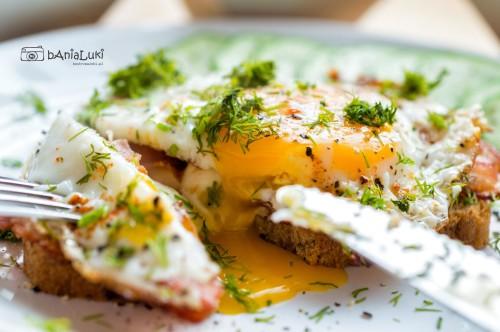 Grzanki z jajkiem sadzonym