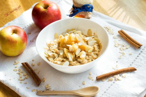 Owsianka z karmelizowanym jabłkiem