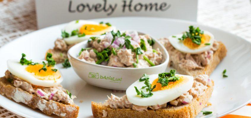 Kanapki z pastą z tuńczyka i jajkiem