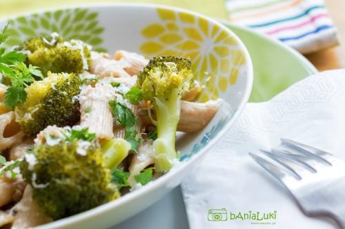Penne w sosie serowym z brokułami